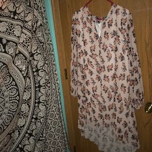 Dresses & Skirts - HighLow Floral Dress